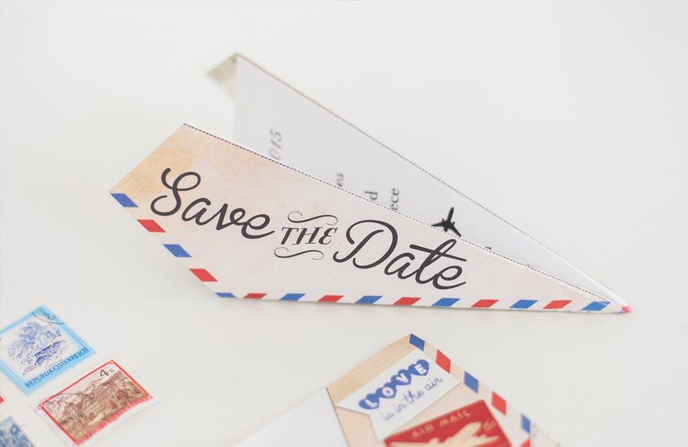 Papírrepülő ötletes esküvői meghívó