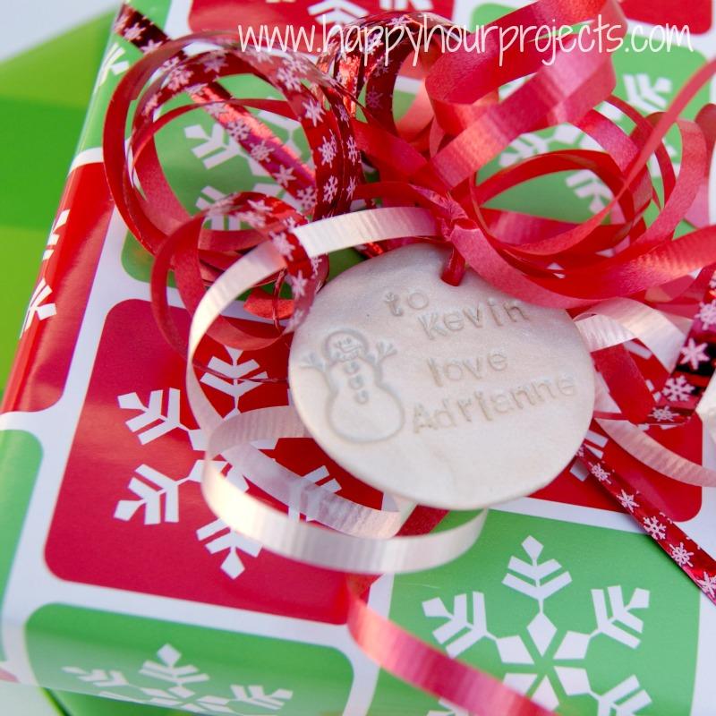 Karácsonyi ajándékkísérő kártya süthető gyurmából